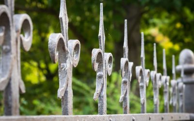 Why Homeowners Prefer Investing in Wrought Iron Fences For Their Property
