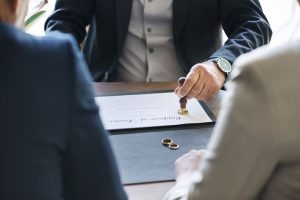 Divorce lawyer in Sydney helping clients on their separation